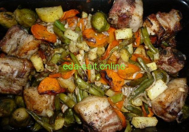 Свиная грудинка с овощами в духовке фото
