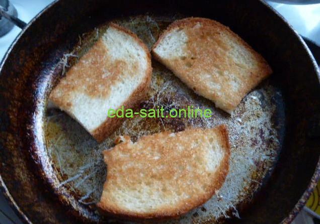 Жарим хлеб для бутербродов с сыром