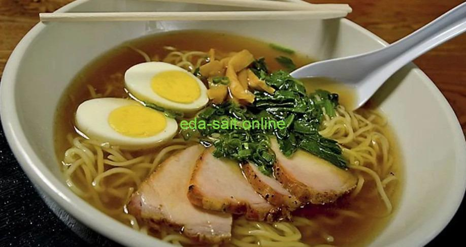 Японский суп рамен фото