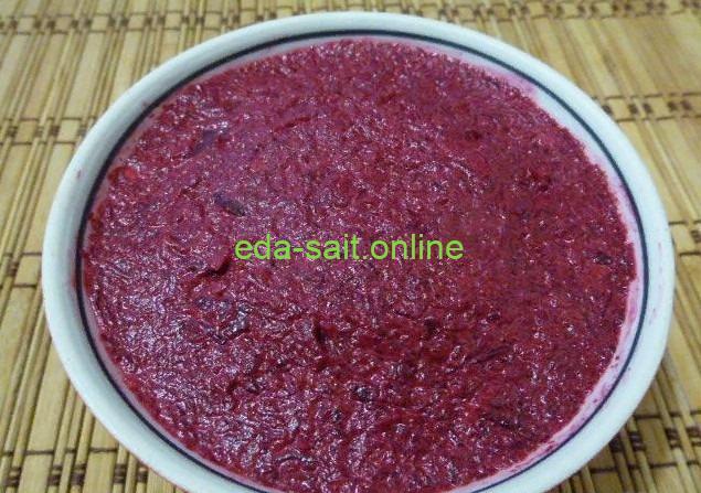 Салат из свеклы с чесноком и майонезом фото