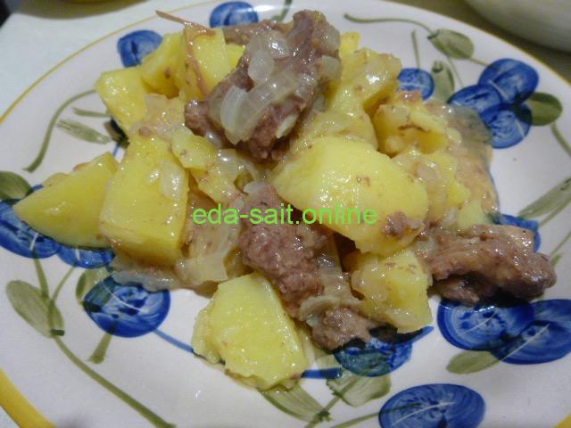 Картошка с тушенкой и луком фото