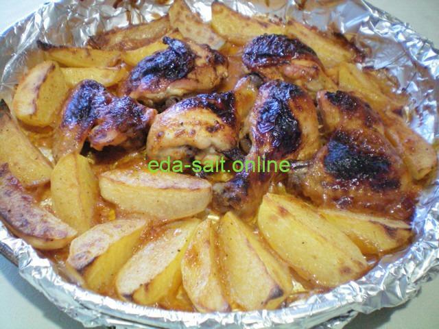 Курятина с картошкой в духовке запечённая