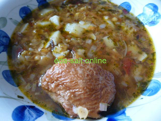 Гороховый суп с копчеными окорочками фото