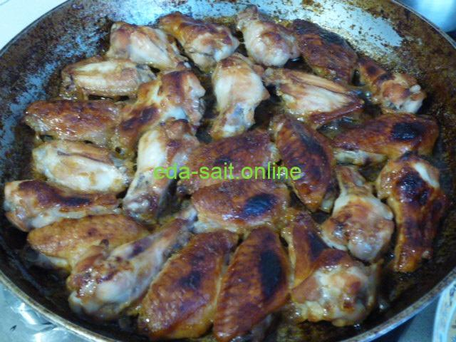 Куриные крылья в медово-соевом соусе