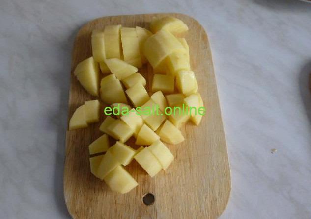 Нарезать картошку для лагмана