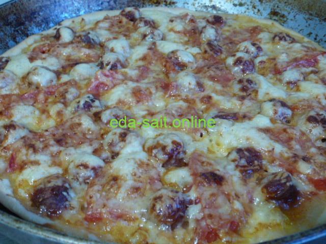 Пицца с колбасками рецепт